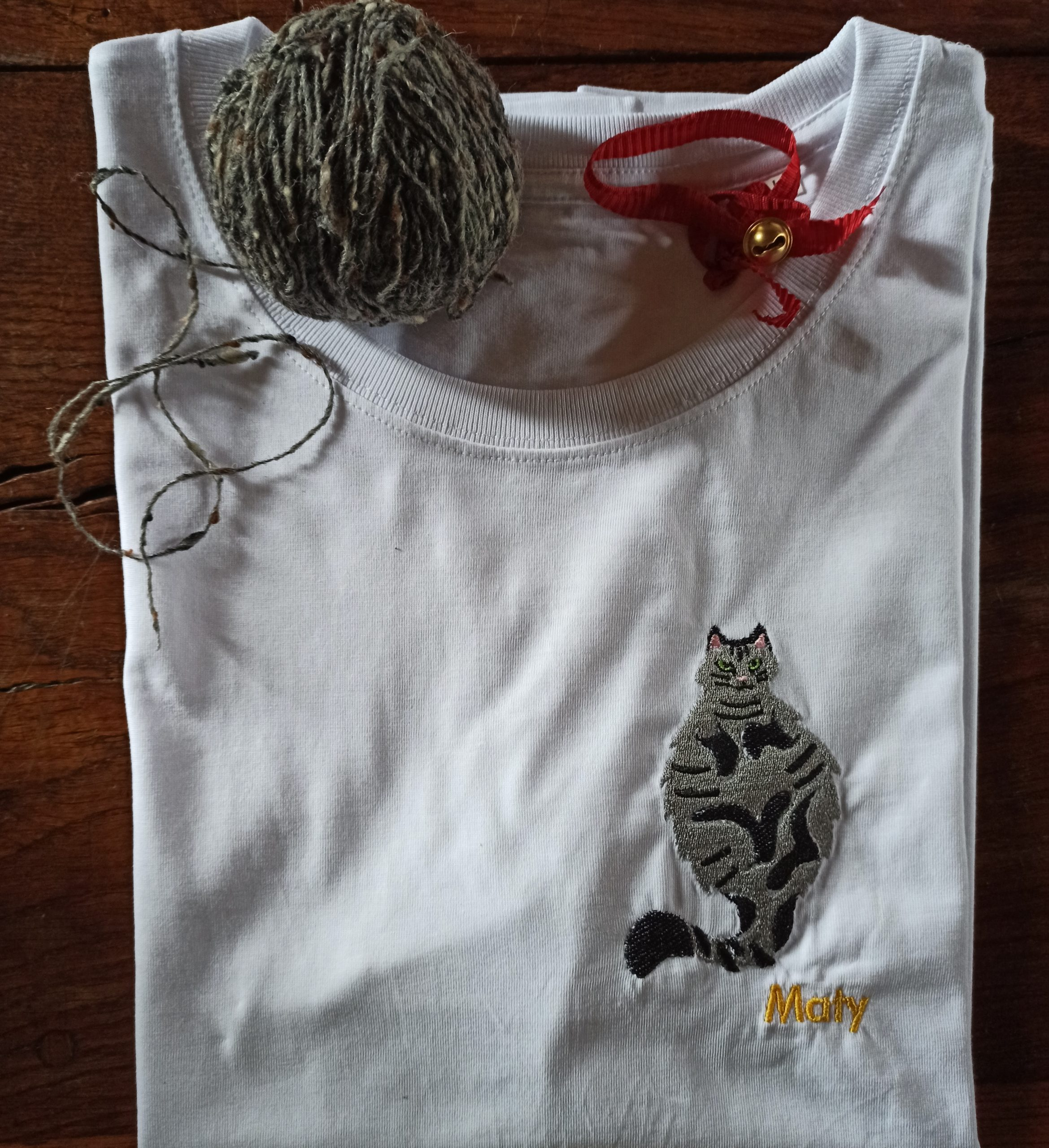 Broderie chat Maty